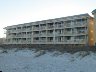 DIRECT OCEAN/BEACH FRONT - AMELIA - FREE WIFI
