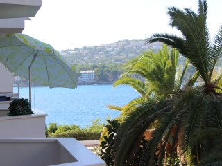 Wonderful seas edge studio apartment, Santa Ponsa