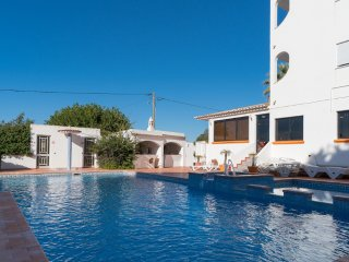 Tara White Apartment, Quarteira, Algarve