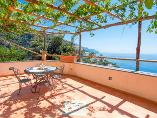 Living Amalfi Villa Eufemia up to 14 people, stunning sea view, Vettica