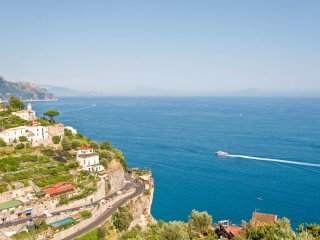 LivingAmalfi: Luxury House Alata in Amalfi, large terrace with sea view, wif, AC