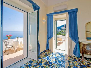 Living Amalfi Villa up to 18 guests, stunning sea view, 7 bedrooms, 8 bathrooms, Vettica