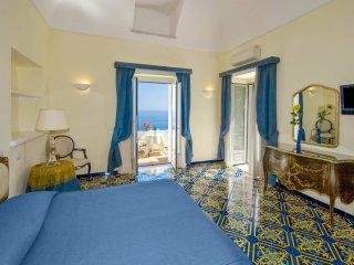 LivingAmalfi: Luxury Huge Villa in Amalfi, up to 18 guests, stunning sea view