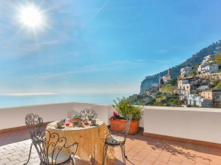 LivingAmalfi Luxury Villa, 2 bedrooms, 2 bathrooms, sea view, wifi, aircondition, Vettica