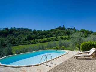 TYPICAL TUSCAN COTTAGE IN CHIANTI WITH PRIVATE POOL, 20 MIN AWAY FROM FLORENCE