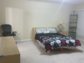 Fully Furnished Room with Private Bath. 6 Mins Drive to DeKalb Medical & Emory.