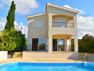 Coral Bay - Detached Villa - Private Pool - Walking Distance To Coral Bay Beach