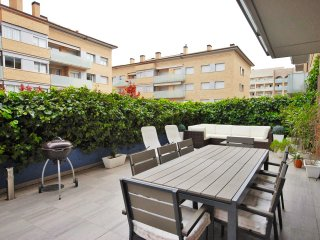 APARTMENT with LARGE TERRACE & POOL in Costa Brava