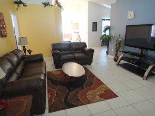 Disney Area Luxury Villa in Gated Aviana Resort, Pool, Spa, Gameroom, Wi-Fi, Orlando