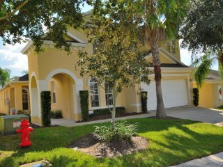 Disney Dream, Gorgeous 5 Bedroom 4 Bath Pool and Spa Home, Davenport