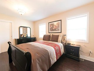 Beechwood Niagara Year Round Accommodation, Crystal Beach