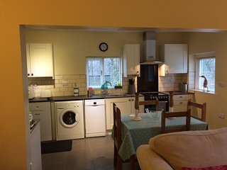 Kitchen, including washing machine and dishwasher