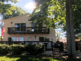 Clear Lake Resort Roomy 3 Bedroom Home with LakeView/Access ORV friendly!