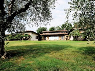 Villa with private garden and swimming pool, Soiano Del Lago
