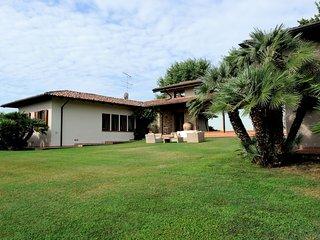 Villa with private garden and swimming pool, Soiano Del Lago