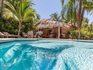 Coco Bungalow - Tropical Luxury Home with Pool & Spa, West Palm Beach