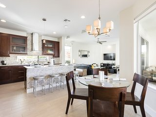 Open concept - everyone can spend time together!