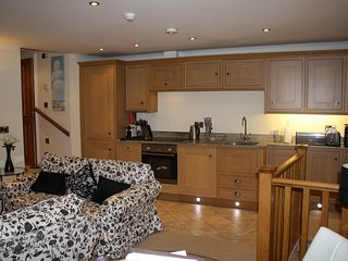 Powder Keg Holiday Rental Apartment, Central Whitby