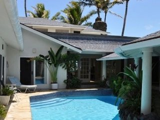 Exquisite Oceanfront Home, Lanikai