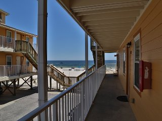 Sunrise Village 103 - FREE Wifi, Easy beach access, Great location- by Gulfsands