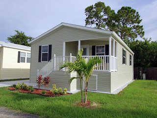 2 Bedroom Cottage at Siesta Bay, a Beautiful 55 Plus Resort!