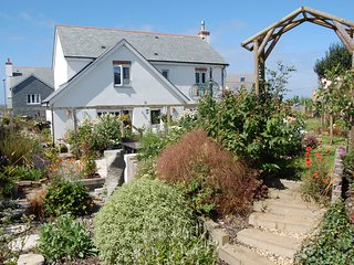 Spacious modern house, near the beach, in quaint coastal village of Crantock.