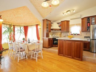 NEW!!! Villa Vultana, private pool 30m2, 3 bedrooms, 3 bathrooms, 8 persons max, Split