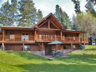 Stunning Log Cabin on Flathead River, 8 acres, sauna, hot tub, newly remodeled, West Glacier