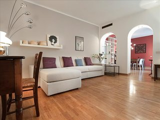 Beautiful 100sqm flat, close to San Babila