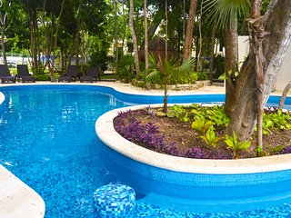 NEW 4 BR house for Vacations Puerto Morelos MX
