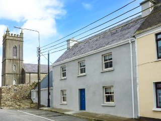 OLD LEONARD HOUSE, charming townhouse, woodburning stove, comfortable, Foxford
