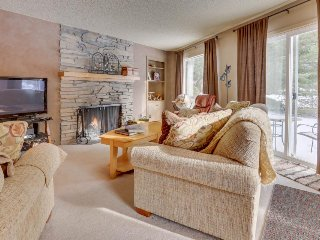 Welcoming, dog-friendly condo w/ golf course views, fireplace, & patio