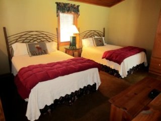1BR Charming Cottage in Yonahlossee Resort, Minutes to Blowing Rock and Boone