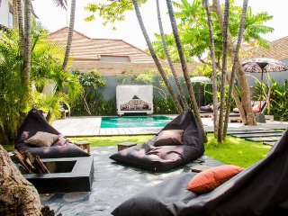 Villa Monkey, 3 bedroom villa in Seminyak