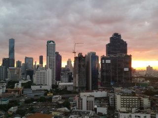 NEW SPACIOUS 1BR CONDO-BTS 3min Walk Highfloor VIEW, Bangkok