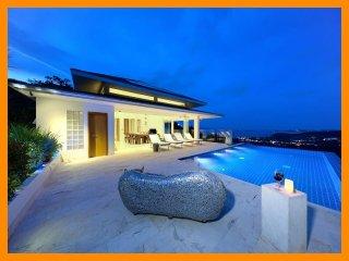 2227 - Infinity edge pool and fantastic views