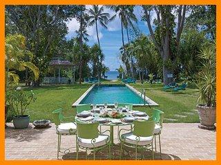 Nelson Gay - 5* beachfront villa - private pool