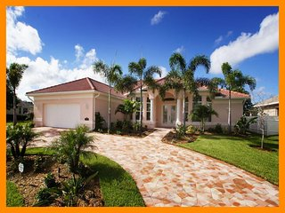 Cape Coral 63 - Superior waterfront villa with private pool and boat dock