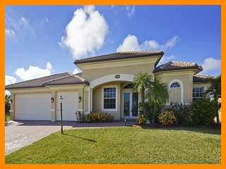 Cape Coral 65 - Luxury waterfront villa with private pool and boat dock