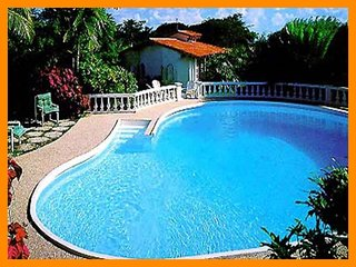 Delightful 2 bed cottage -  private pool, located on a ridge overlooking the ocean, Saint Peter Parish