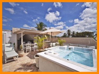 Amazing 4 Bed Home with Direct Beach Access, Weston