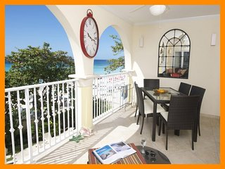 Fantastic 3 Bed Beachfront Apartment - Ocean Views, Dover