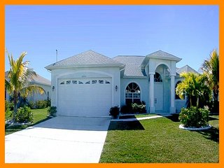 Cape Coral 67 - Premium waterfront villa with a private pool and boat dock