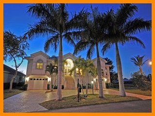 Luxury 4 Bed Villa with Private Pool and Spa, Fort Myers Beach