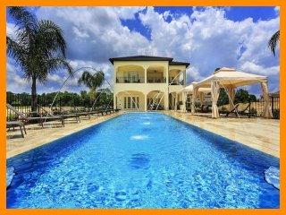 Incredible South Facing Pool - Reunion Resort 6000 - Minutes from Disney