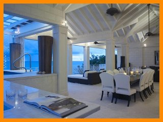 Smugglers Cove - The Penthouse - 5* Beachfront