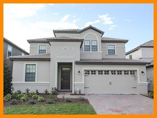 Championsgate 12 - Superior villa with private pool and game room near Disney