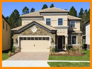 Championsgate 21 - villa with pool, game room and theater room near Disney