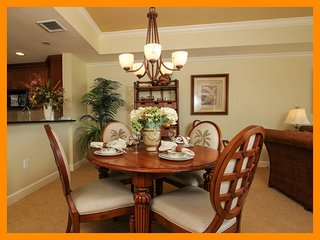 Fantastic Family Condo - 10 Minutes to Disney!, Reunion