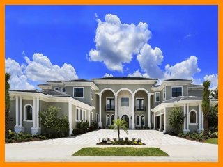 Amazing 9 Bed Home with Bowling Alley and Pool/Spa, Reunion
